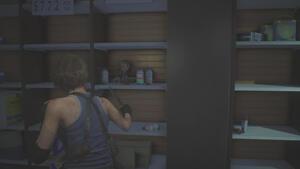 13体目|薬局の棚